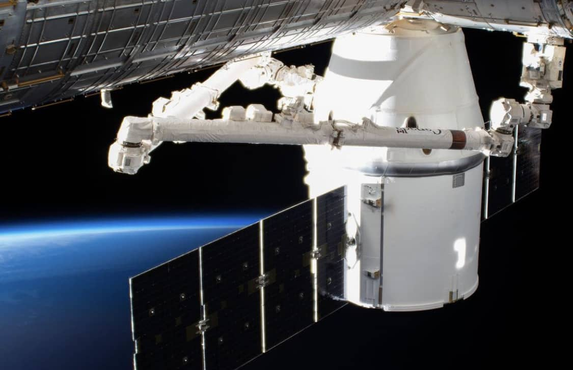 Elon Musk and SpaceX bring the fastest satellite internet to Greece 1