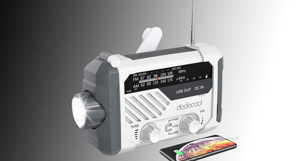 This $ 23 emergency radio is all you need to survive a zombie (or robot) disaster.