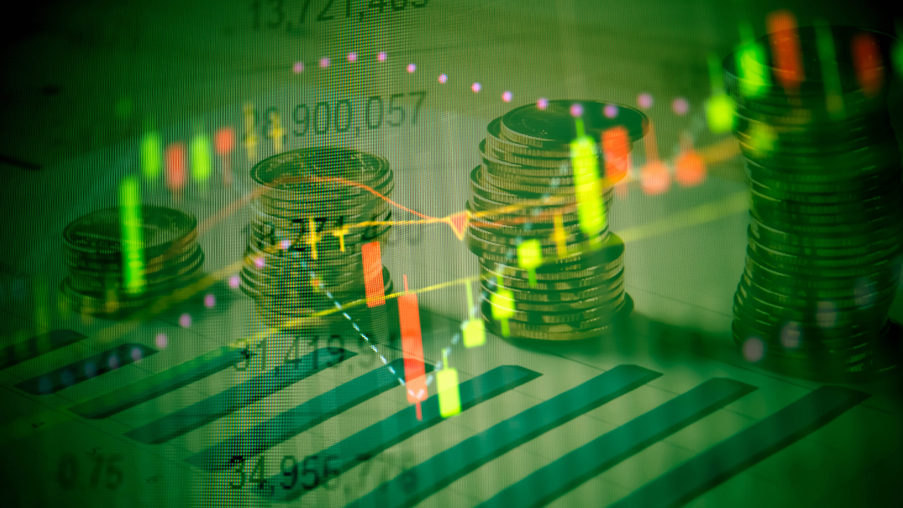As the bitcoin price drops in value, crypto assets like Ethereum and Bitcoin Cash shine