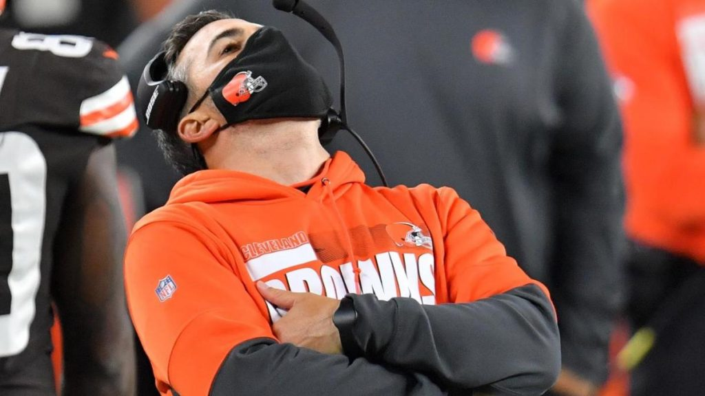 Browns coaches test positive for COVID-19 semifinals against Steelers, Cleveland shuts down team facility