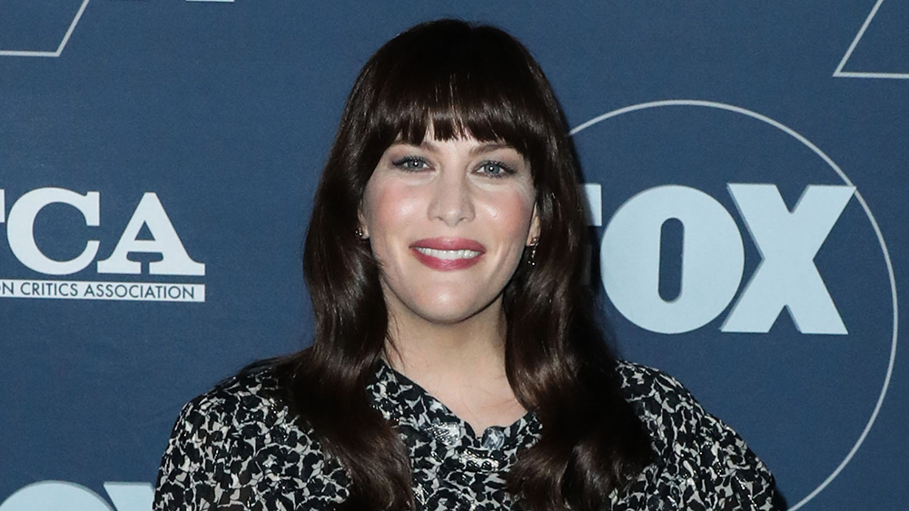 """Liv Tyler reveals a diagnosis of Coronavirus, and says the disease is """"equal to your body and mind"""" - deadline"""